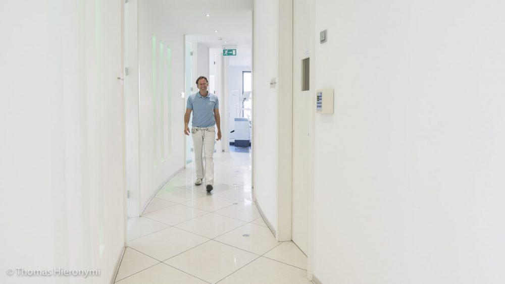 Zahnarzt Dr. Mohr - Zahnarztpraxis für Implantologie und Zahnimplantate in Neu-isenburg