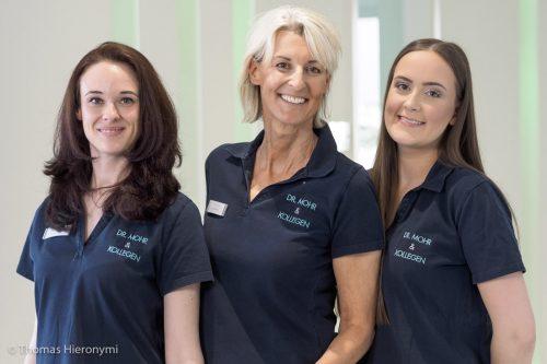 Praxisteam - Zahnarztpraxis für Implantologie und Zahnimplantate in Neu-isenburg