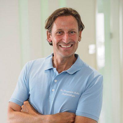 Implantologe Dr. Alexander Mohr - mohr smile Zahnärzte Team